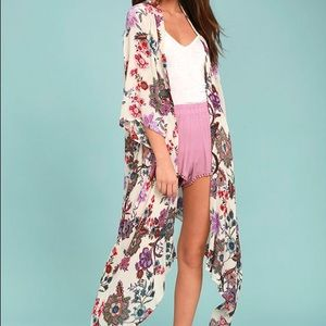 Lulu's Floral Print Kimono